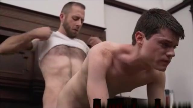 Gay hunk getting his ass fucked by a mature hunk Vieille suce jeune