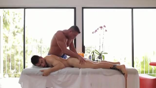 Muscled hot masseur enjoys rimming Busty korean anal