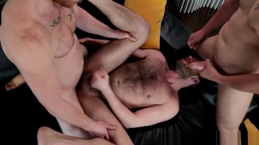 Muscly threeway jocks sex in an open bottom girdle