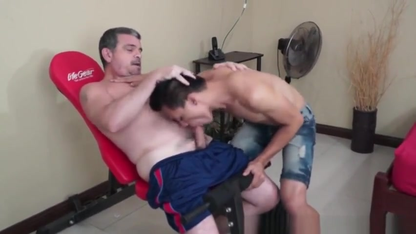 Gym daddy cocksucked by asian twink Best dating site in united state