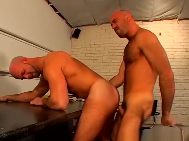 Shaved head gay hunks rough and raw anal fucking Naked men having sex with a girl