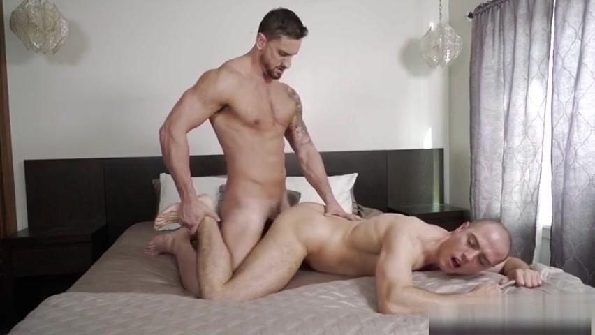 Big dick jock throat fuck and cumshot Flashing nice nice tits