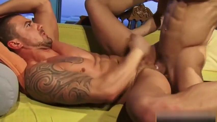 Big dick bottom flip flop with cumshot rogue x men naked