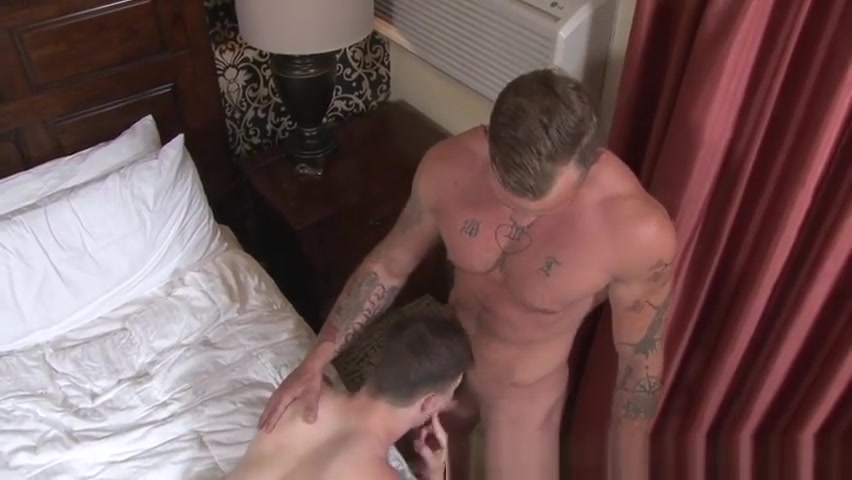 Turned soldier blows load Hot milf legs suck