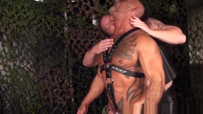 Mature leather bear fucked by bearded ginger Chick likes the thickness of studs wicked cock