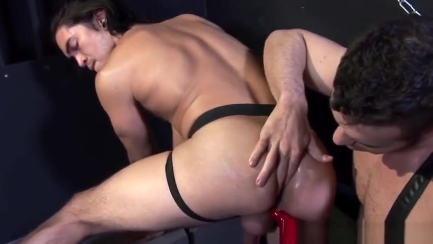 Muscular dominator barebacks submissive real sex party tube
