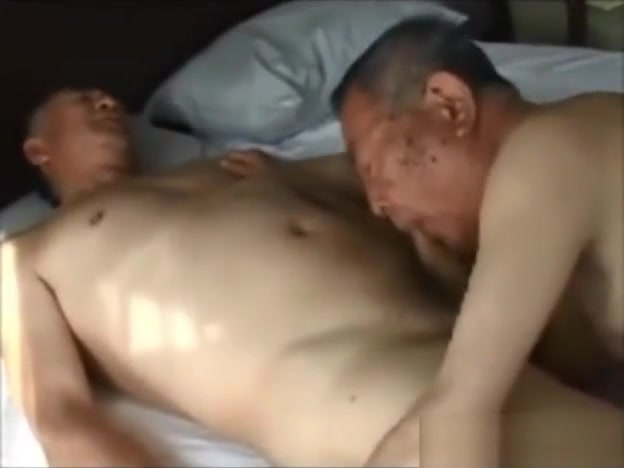 80 Yrs Grandpa 1-2 - Female large anal insertions
