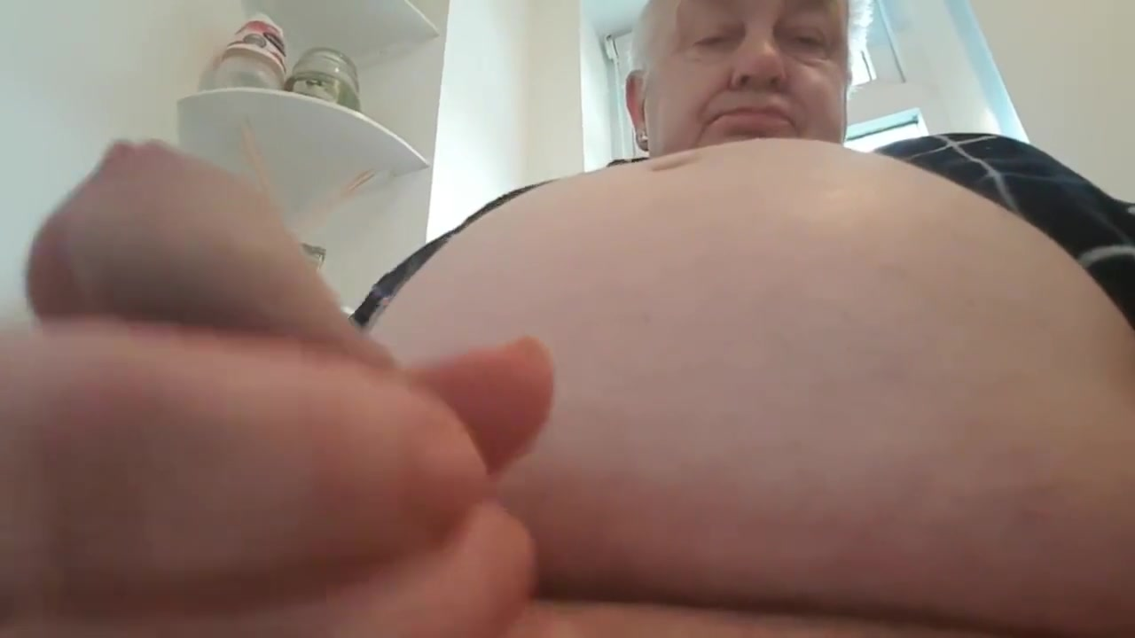 VERY RELAXING. I LOVE RUBBING MY DICK. HAVE A LOOK.