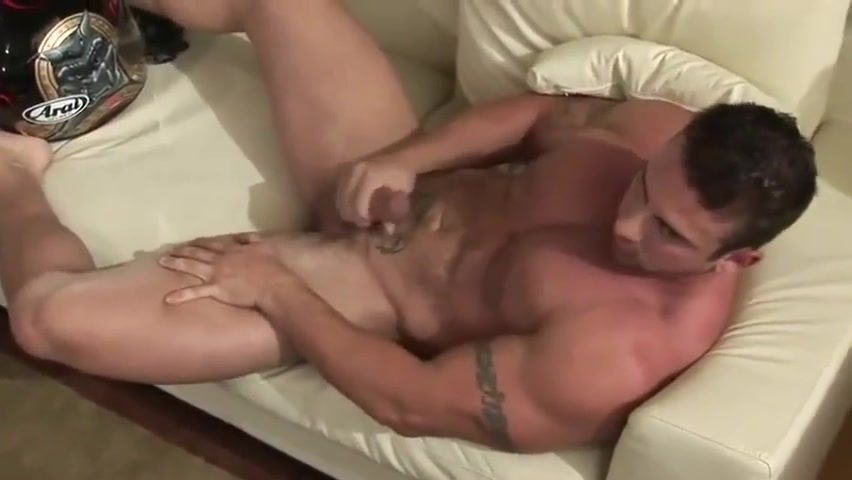 Xavier Muscle Jerks Off Tiny nudist girl