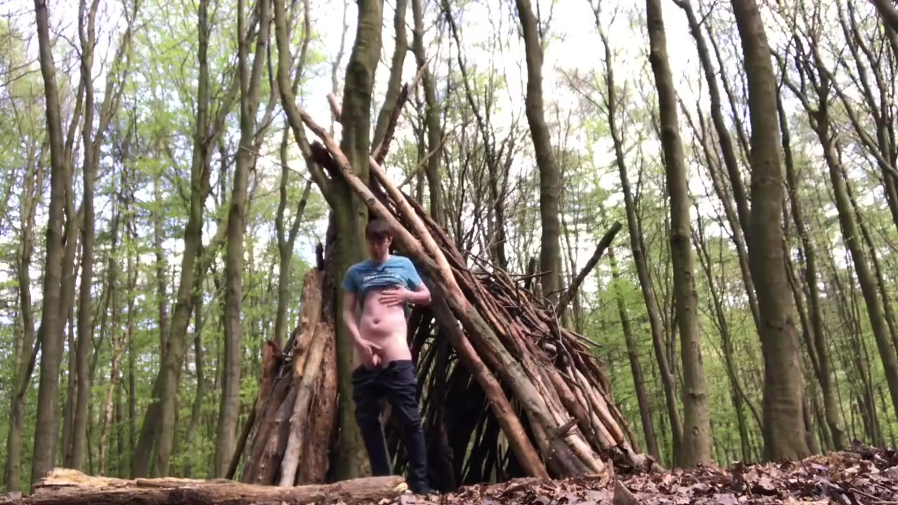 Hot young British Twink walks naked and pees in the Woods sexy sex photosboys and girls