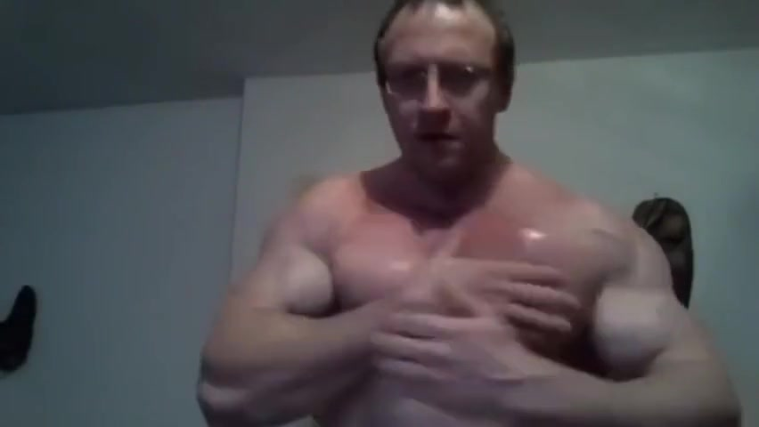 Muscle Daddy wants to dominate you with his huge biceps! Riding dick bouncing tits amateur gif