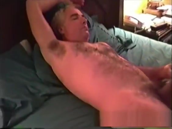 Mature Man Gerry Jerks Off nude nfl cheerleaders images