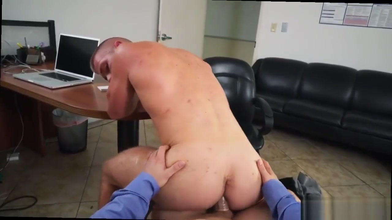 Gay man to blowjobs xxx photos Keeping The Boss Happy where to download porn for psp
