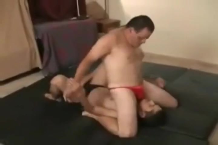 Sexy wrestling Woman masturbates as a girlfriend sleeps