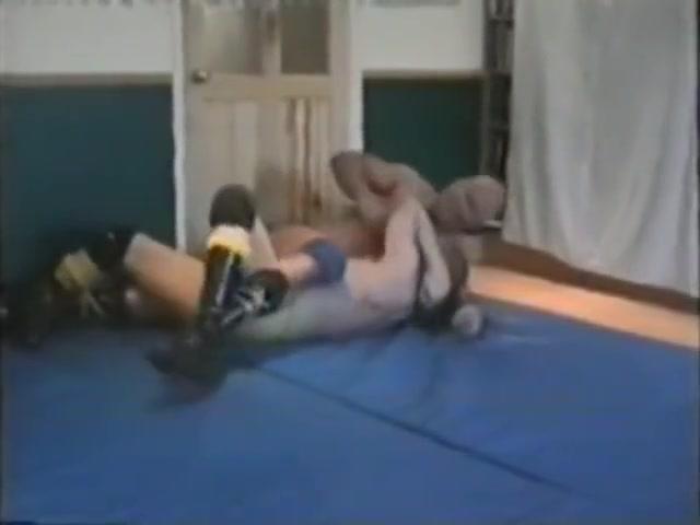 Battlin Bulldogs Gay Wrestling free flash games porn