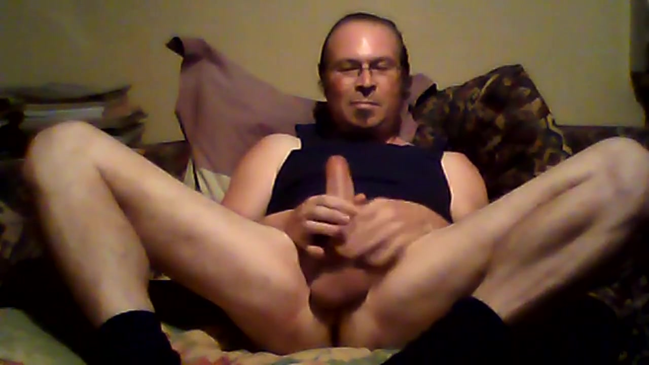Blurry bator shows off perfect cock Uae online dating sites
