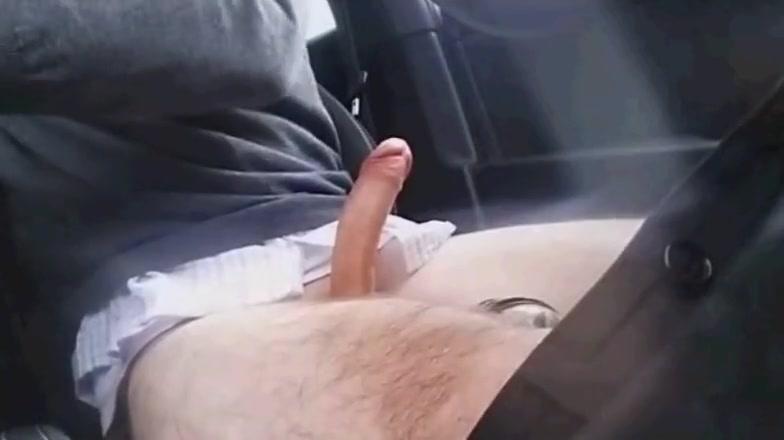 Handsome BritishGUy cum in the car spy cam video sex