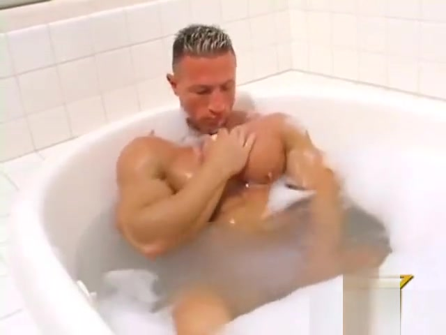 G-force in jacuzzi A sexy pussy