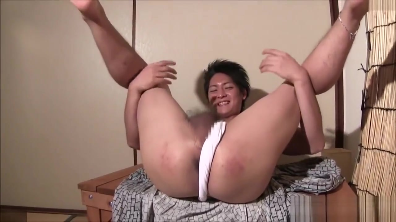 Japanese man Bond women naked