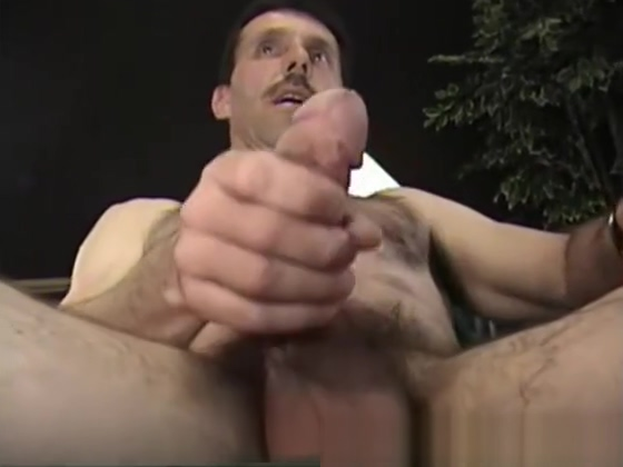 Mature Amateur Steve Jerking Off Big booty pretty feet