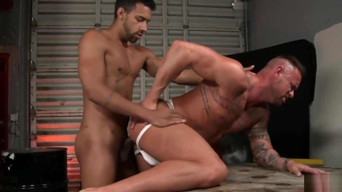Bareback gay anal sex with Jay Alexander and Michael Roman Bbw with a crazy mouth game