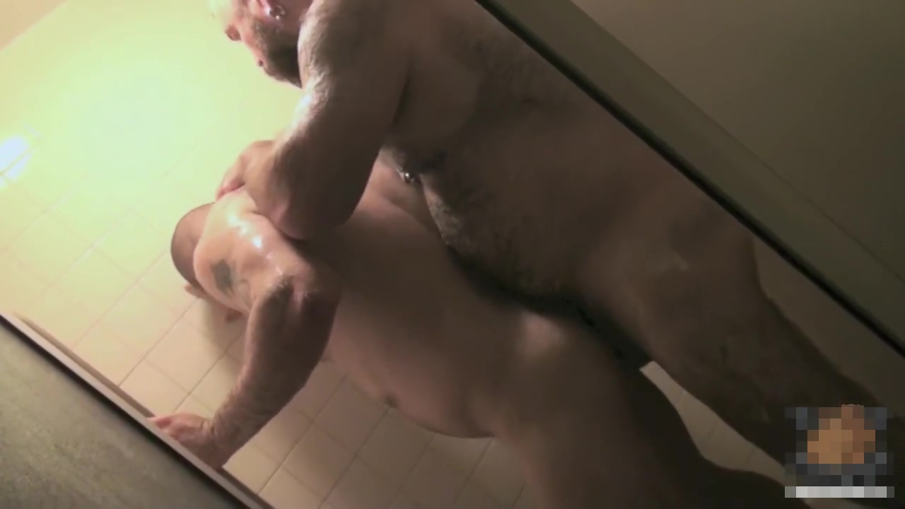 MBP0042 - Love and breeding in shower Dean flynn gay porn star