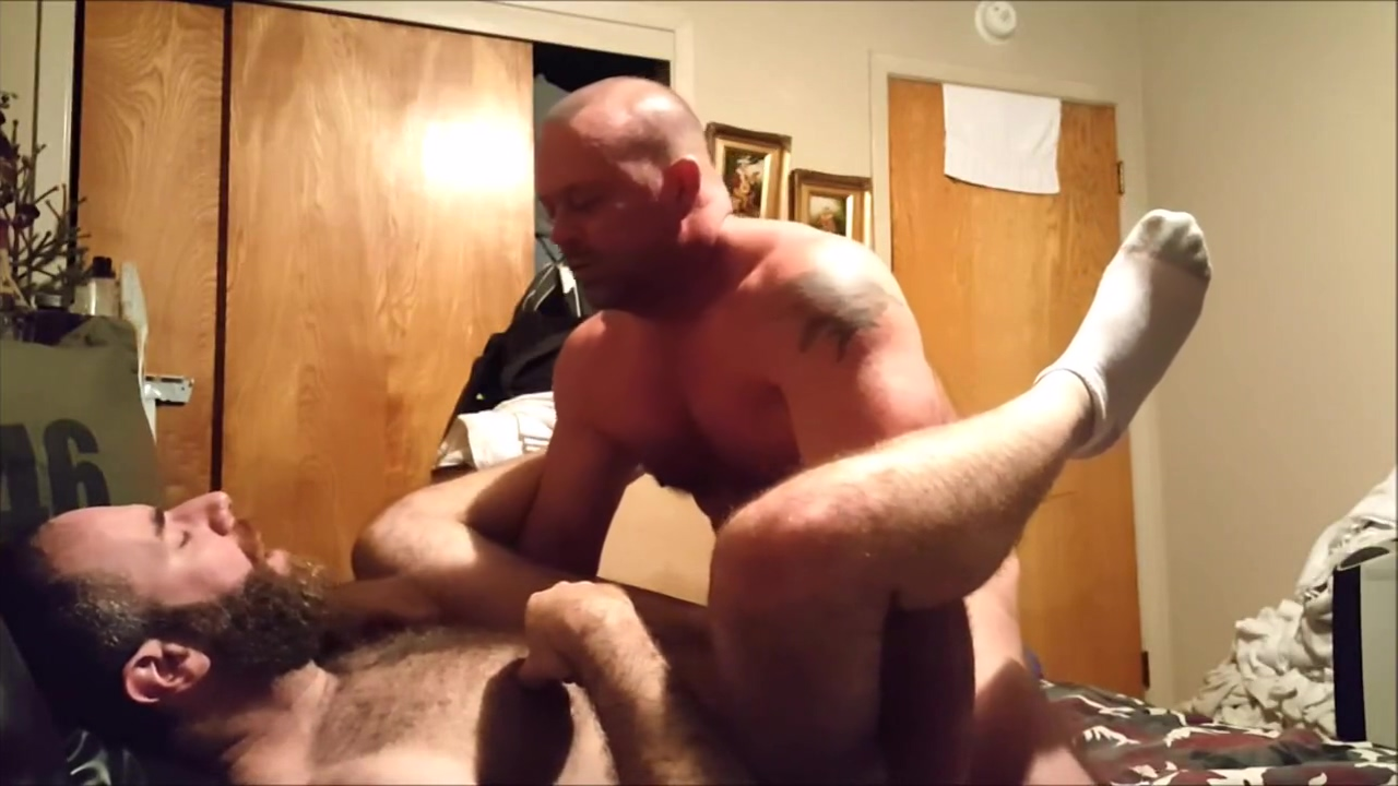 2 Big Bears enjoy each other ass brown training sexy porn porn
