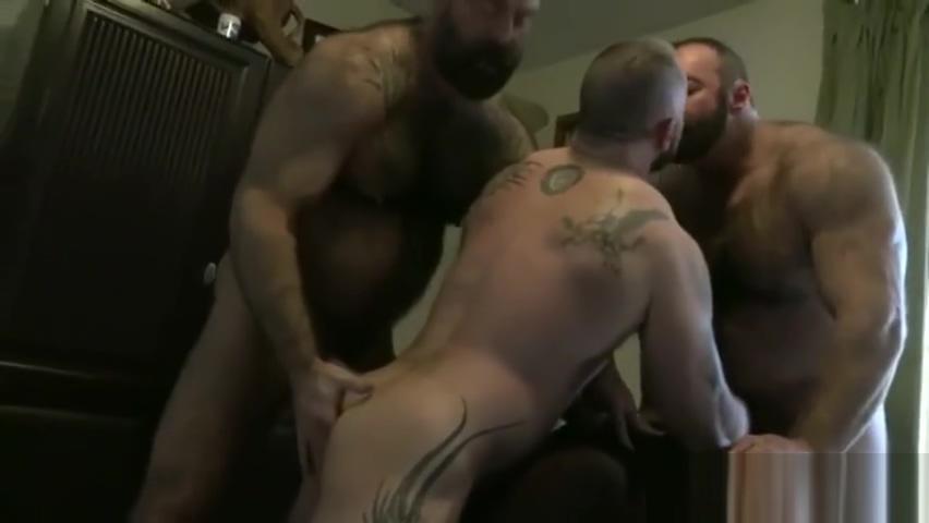 Bear Threesome Hot Slutty Milf Getting Satisfied