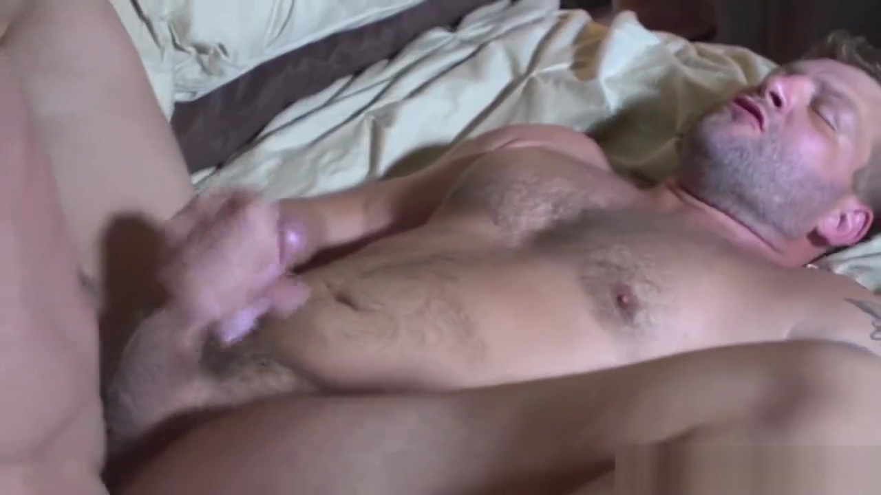 Masculine muscle bear assfucked by hunky top Tina Toy Stripper