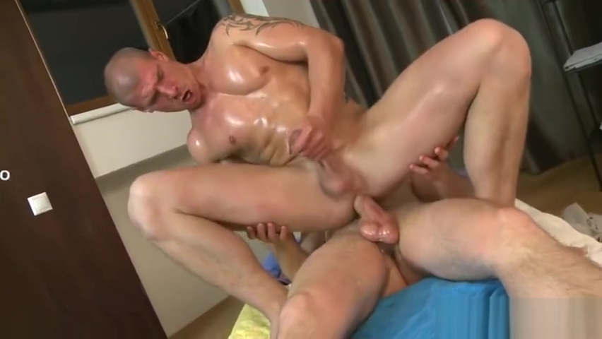 Muscle daddy bareback with anal cumshot Big black boobs pic