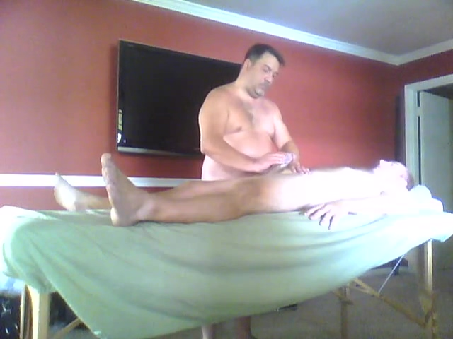 First time bisexual massage - primer masaje a bisexual Drunk panty pissing video