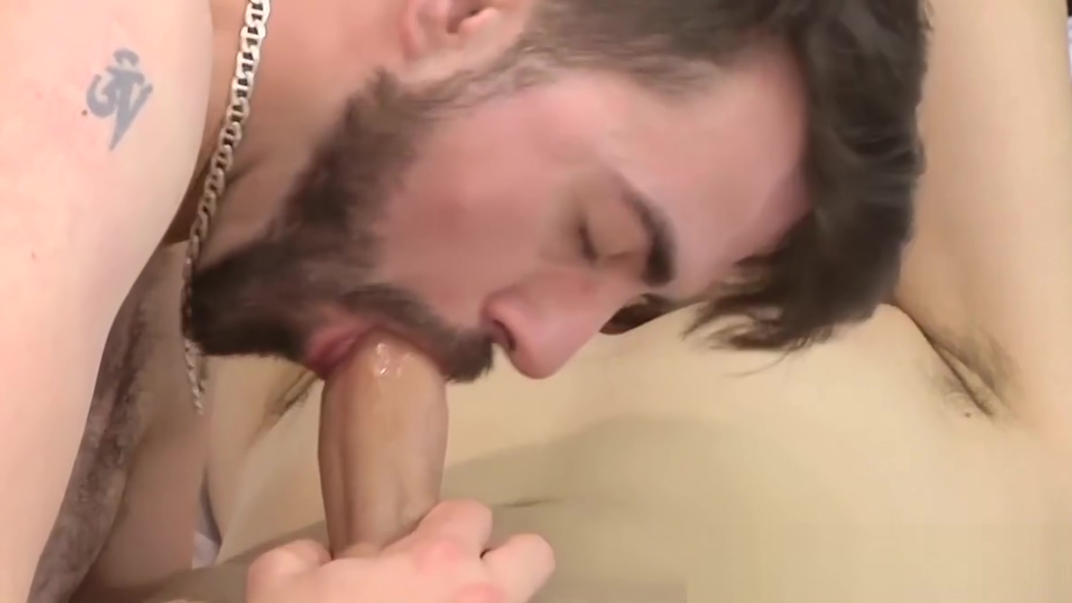 Homo youngster spreads legs for anal penetration how to give woman oral sex