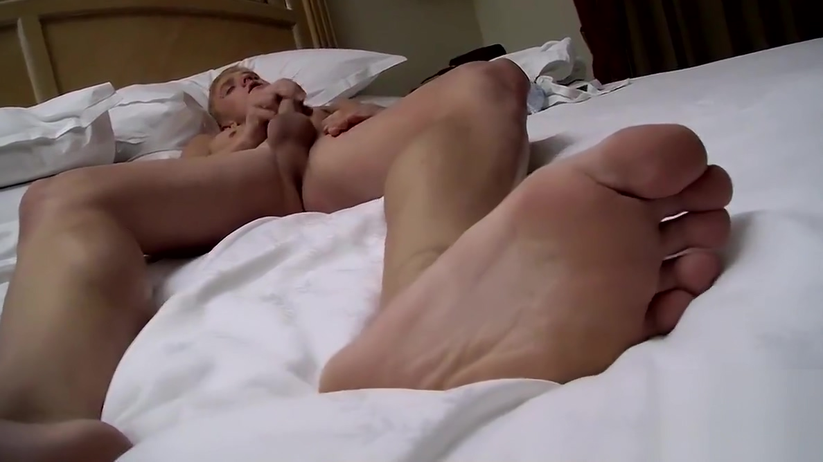 Smooth foot fetishist cums hard after solo masturbation sex scenes from the borgias