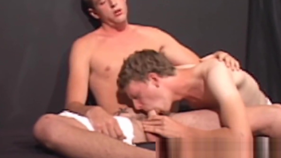 Skinny gay anal threeway ends with facial treatment boys taking a bath naked