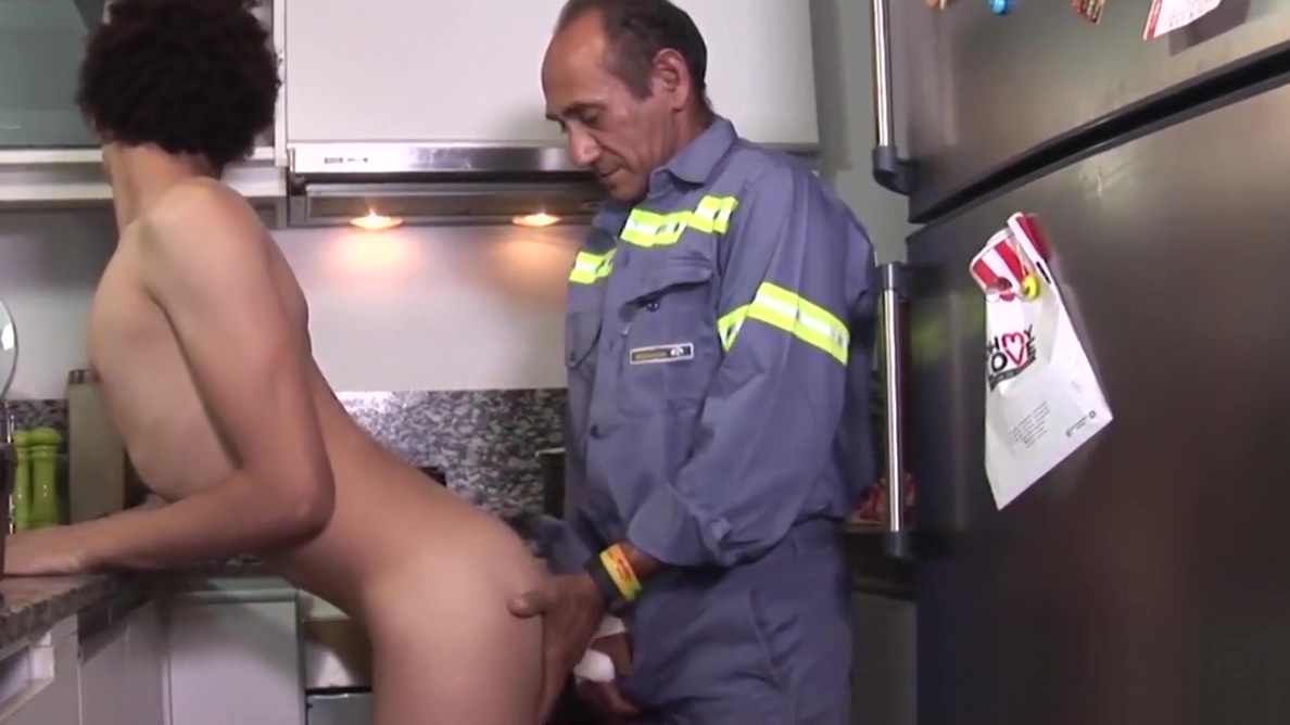 Daddy doggy styles his twink lover before spraying load Free muture women porn vidios from sweedan