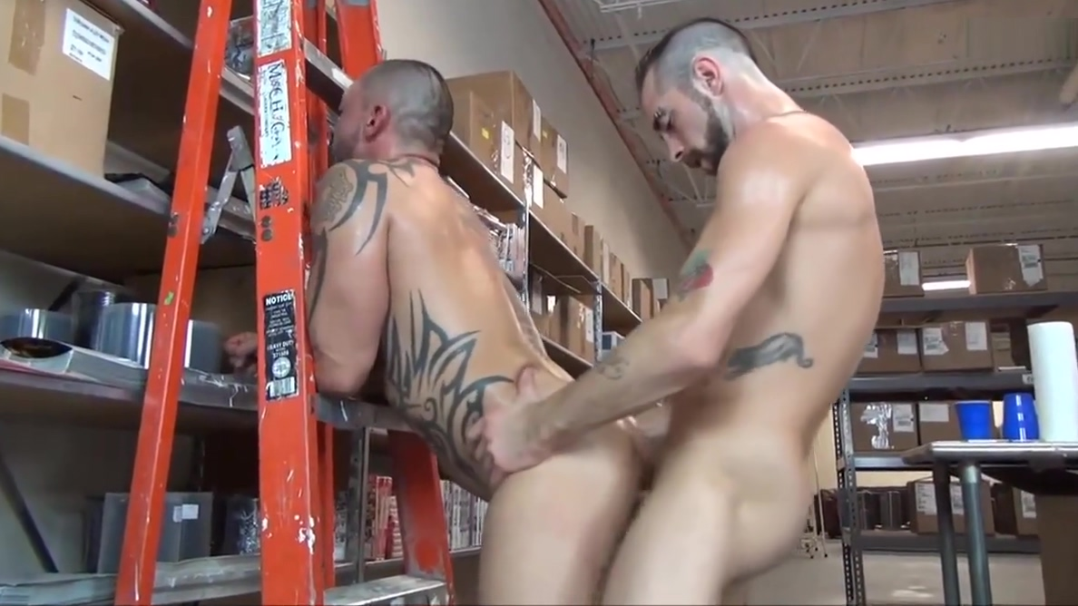 Sweaty Warehouse Fuck Japanese girls hold pee