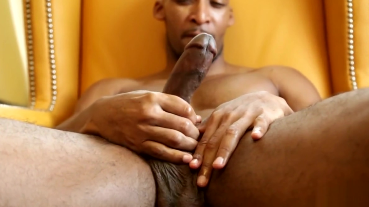 Sporty black hunk solo tugging swollen dong Sex sex sex chat