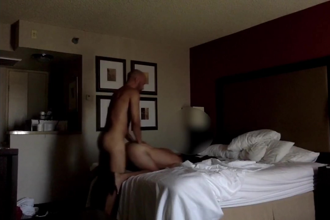 Hot Middle Eastern guy from Craigslist breeds me in my hotel Family fucking orgy free video