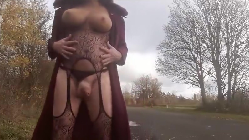 Outdoor with my mask ebony bbw gets interracial gangbang