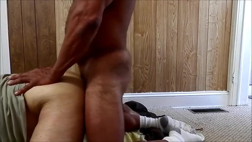 ANON Str8 Daddy Construction Worker XTube Porn Video from zibmusser Over 40 and never married