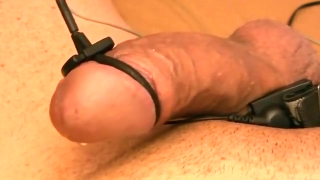 electro estim pleasure 046-20141003 short nice fat ass in yoga pants