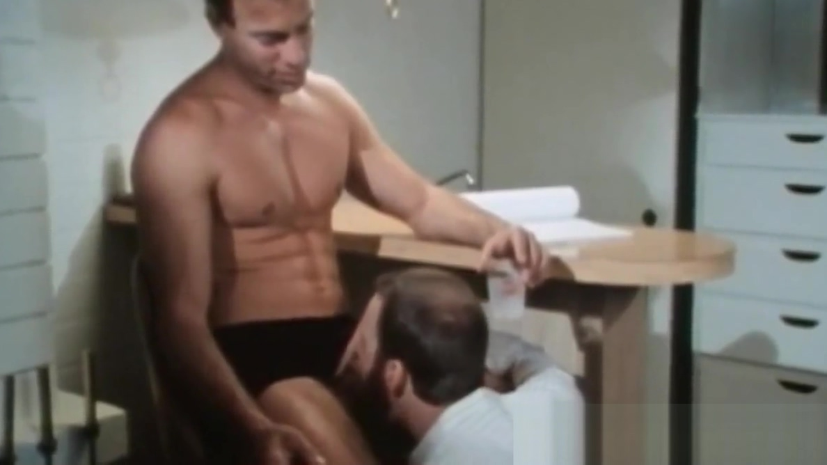 Gay man gets breeding induced cumshot on his hairy muscles Mature Mom Massage