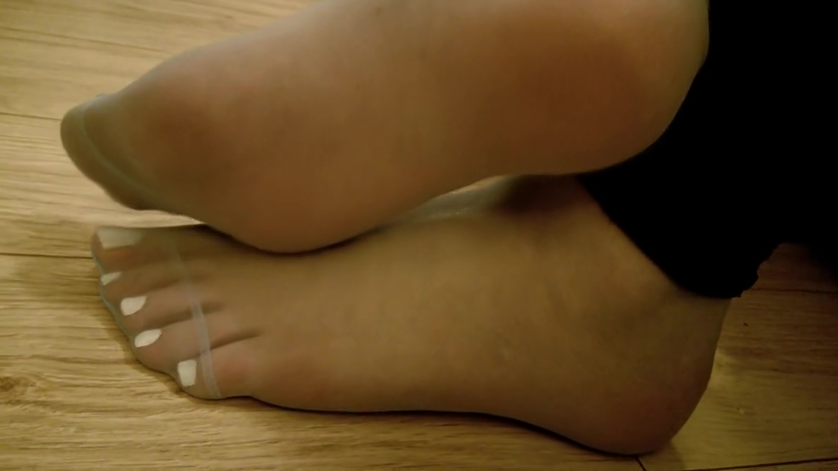 Sissy boy big feet in nylon socks he wants a chick with a dick to fuck