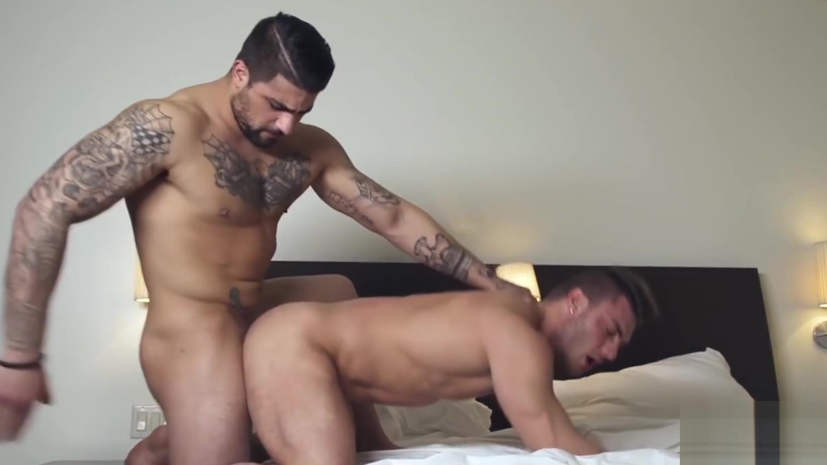 Handsome inked hunk gets his ass stuffed with raw cock Nude boobs squriters