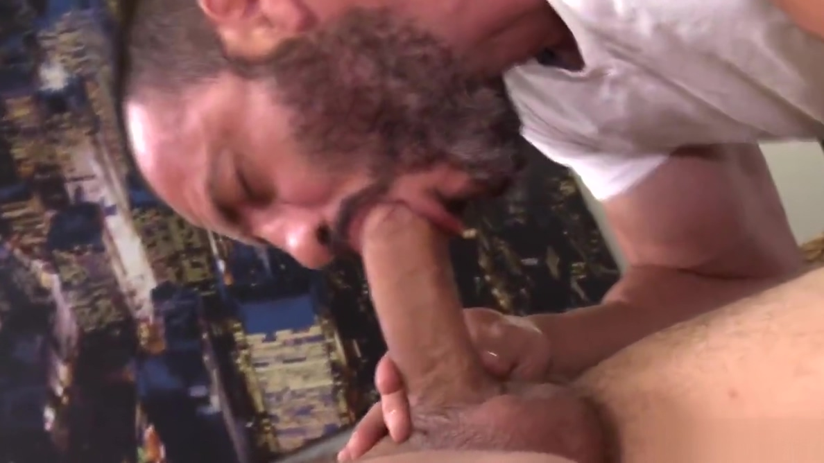 Injured Jock Dicks Hot Daddy Masseur On Massage Table scooby doo hentai