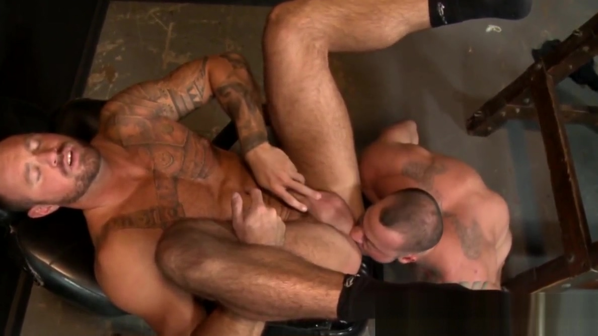 Muscular boyfriends Sean Duran and Michael Roman going deep Fuck sluts in Le Havre