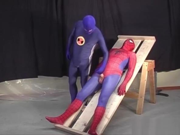 Spiderman is captured by a gay hero Virginity blow job