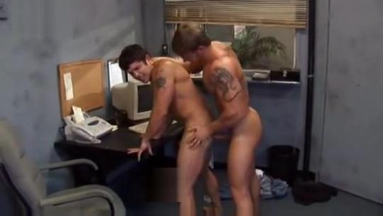 Car mechanic fucking his client emo boy gay porno