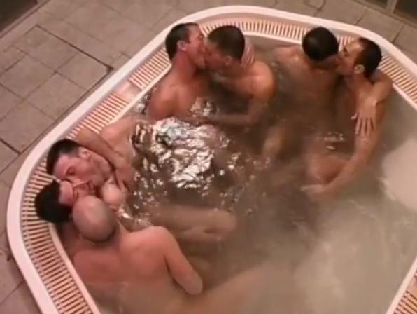 Men So Wet in Whirlpool Forest hills family nudist mi