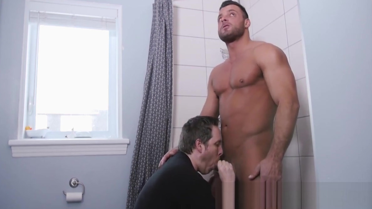 Freaky dude gives a blowjob to his new muscular roommate guy fucked her husband